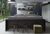 Cabina de cocina económica con muebles de la cocina del restaurante de Backsplash