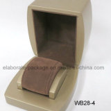 Коробка деревянного подарка индикации ювелирных изделий упаковывая установленная