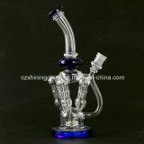 Bunter reizvoller Entwurfs-Glaswasser-Rohr für das Rauchen mit 4 verteilenden Rohren