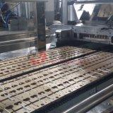 Flacher Lutscher, der maschinelle Herstellung-Zeile bildet