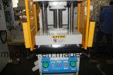 Máquina que corta con tintas de papel