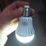 5W > 6hours緊急の再充電可能な電池式LEDの電球