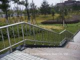 屋外のベランダのための304ステンレス鋼の柵のガラス手すり
