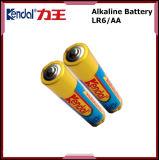 Bateria alcalina da manufatura 1.5V Lr6 AA da bateria de China com folha de alumínio