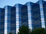 Предусмотрение перегородки офиса стеклянной, стеклянные полки, стекло цвета