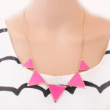 Collana geometrica del triangolo dell'annata per le donne
