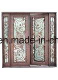 Античная конструкция входной двери утюга верхней части дуги