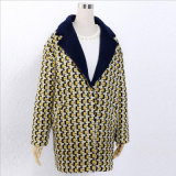 Пальто ткани длинних шерстей шотландки шерстяное для одежд женщины