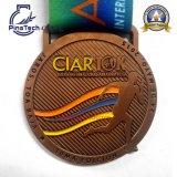 Футбол резвится медаль с мягкой завалкой цвета эмали