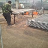건축에 의하여 직류 전기를 통하는 용접된 철망사 임시 담