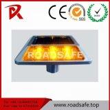 Os olhos de gato solares de piscamento de alumínio do marcador da estrada do diodo emissor de luz encaixaram o parafuso prisioneiro da estrada