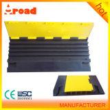 La cubierta de PVC de Aroad acanala el protector del cable