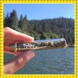 con el sistema del filtro para el tubo de cristal de la hierba seca embotado