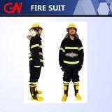 O terno da luta contra o incêndio ajustou incluir a correia das luvas dos carregadores do capacete