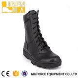 Черный ботинок боя армии кожи коровы