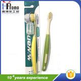 Erwachsene Zahnbürste mit wenigem Pinsel-Kopf