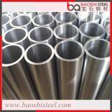 構築の使用によって電流を通される鋼管