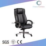 黒いArmrestのオフィスの革執行部の椅子