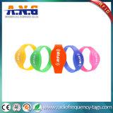 ISO 14443Aの防水楕円形RFIDのシリコーンのブレスレット