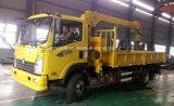 4X2 Sinotruk販売のための油圧クレーンが付いているトラック3トンの3tの