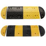 Topetón de velocidad amarillo y negro de goma para la seguridad en carretera