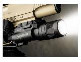 戦術的なハンチング射撃の空気銃のライフルのピストルアルミニウムX300 LED懐中電燈の武器ライト