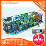 Campo de jogos interno das crianças comerciais impertinentes do castelo