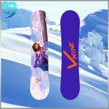 Snowboard estampé coloré en bois de vente en gros de modèle de peuplier