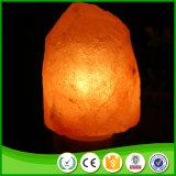 Lampada di cristallo naturale intagliata mano del salgemma di alta qualità