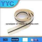 Rolo de bronze preto de nylon novo do Zipper da chegada 5# para a venda