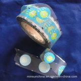 주문을 받아서 만들어진 음식 패킹 주머니는 플라스틱 롤필름을 자루에 넣는다