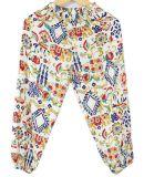 Pantaloni dei bambini di modo da portare nella stanza del condizionamento d'aria