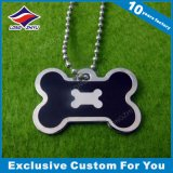 Etiqueta de perro libre promocional del diseño con palabras e imagen grabadas