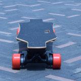 Refrescar a uno mismo del diseño que balancea la vespa eléctrica del patín con cuatro ruedas