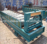 機械を形作る屋根の鉄片ロール