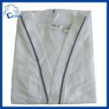 快適な100%年の綿の鉱泉のホテルの浴衣(QHSDF998594)