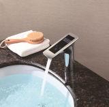 Neuer intelligenter Bassin-Hahn für Badezimmer-Bassin mit Chrom beendete