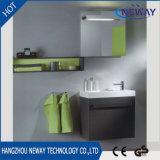高品質の壁に取り付けられたホテルの浴室用キャビネットPVC