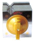 Basamento magnetico con registrazione fine della vite della guida