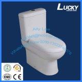 Les articles sanitaires chanceux fixés au sol populaires lavent vers le bas la toilette en deux pièces de courroie avec le certificat de la CE