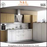 N&L de modulaire Keukenkasten van pvc van de Lak van het Ontwerp Stevige Houten