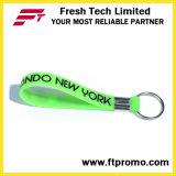 Anello portachiavi stampato promozionale del Wristband del silicone dell'OEM con il vostro marchio