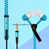 Telefono mobile Earbuds stereo del trasduttore auricolare della chiusura lampo di modo per il iPhone