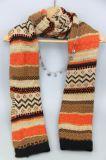 Sciarpa lavorata a maglia modo per le donne, scialle dell'accessorio di modo, sciarpa di inverno