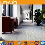 Suelo tejido abundante y hermoso del vinilo del PVC de la alfombra