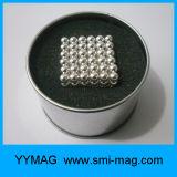 Esferas magnéticas minúsculas do ímã neo das esferas