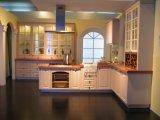 品質の光沢度の高いラッカー木の台所Cabinets
