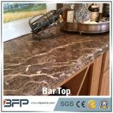 Parte superiore moderna della barra di marmo della parte superiore dell'isola di cucina della parte superiore del banco della cucina