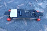 Planche à roulettes électrique à télécommande de Longboard de roue de Hotsale 4 avec la batterie d'atterrisseur