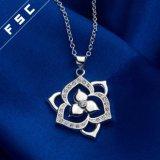 Silber überzogene Form-Blume KubikZirconial Element-Absinken-Halskette